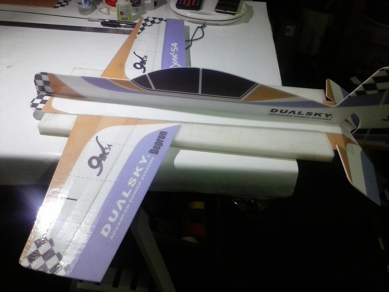Yak 54 en cours d'assemblage